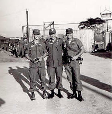 Cpt Larry Osborn, Major Lweis Henderson, Cpt Cliff Ohlenburger - 1965